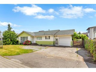Photo 1: 31934 PEARDONVILLE Road in Abbotsford: Abbotsford West House for sale : MLS®# R2484379