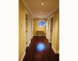 """Photo 7: 1950 E 64TH Avenue in Vancouver: Fraserview VE House for sale in """"FRASERVIEW"""" (Vancouver East)  : MLS®# V785070"""