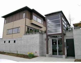 """Main Photo: 3 2389 CHARLES ST in Vancouver: Grandview VE Townhouse for sale in """"CHARLES PLACE"""" (Vancouver East)  : MLS®# V583233"""