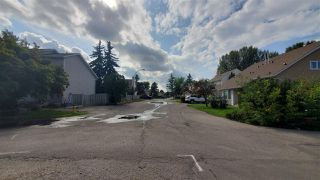 Photo 4: 9537 180A Street in Edmonton: Zone 20 House Half Duplex for sale : MLS®# E4170396