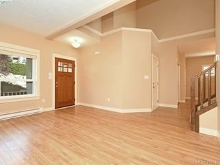 Photo 3: 15 DeGoutiere Pl in VICTORIA: VR Six Mile Single Family Detached for sale (View Royal)  : MLS®# 823944