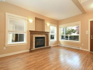 Photo 2: 15 DeGoutiere Pl in VICTORIA: VR Six Mile Single Family Detached for sale (View Royal)  : MLS®# 823944
