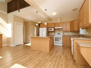 Photo 7: 15 DeGoutiere Pl in VICTORIA: VR Six Mile Single Family Detached for sale (View Royal)  : MLS®# 823944