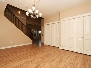 Photo 6: 15 DeGoutiere Pl in VICTORIA: VR Six Mile Single Family Detached for sale (View Royal)  : MLS®# 823944