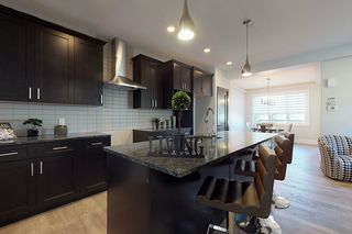 Photo 3: 11026 108 Street in Edmonton: Zone 08 House for sale : MLS®# E4173397