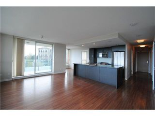 Photo 4: 1704 2200 DOUGLAS Road in Burnaby: Brentwood Park Condo for sale (Burnaby North)  : MLS®# R2429013