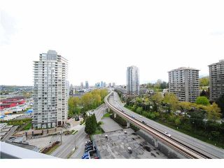 Photo 9: 1704 2200 DOUGLAS Road in Burnaby: Brentwood Park Condo for sale (Burnaby North)  : MLS®# R2429013