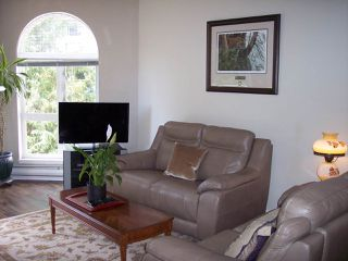 """Photo 7: 415 3172 GLADWIN Road in Abbotsford: Central Abbotsford Condo for sale in """"Regency Park"""" : MLS®# R2480665"""