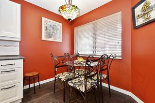 """Photo 9: 10 32917 AMICUS Place in Abbotsford: Central Abbotsford Townhouse for sale in """"Pinegrove"""" : MLS®# R2492524"""