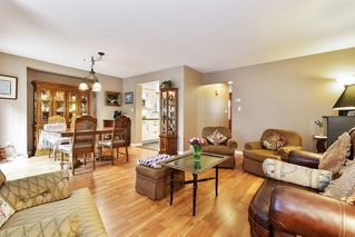 """Photo 5: 10 32917 AMICUS Place in Abbotsford: Central Abbotsford Townhouse for sale in """"Pinegrove"""" : MLS®# R2492524"""