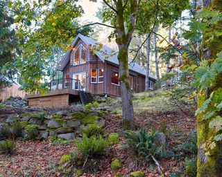 Photo 1: 254 MARINERS Way: Mayne Island House for sale (Islands-Van. & Gulf)  : MLS®# R2504495