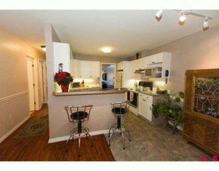 "Photo 5: 6 8855 212TH Street in Langley: Walnut Grove Townhouse for sale in ""GOLDEN RIDGE"" : MLS®# F2927024"