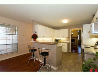 "Photo 4: 6 8855 212TH Street in Langley: Walnut Grove Townhouse for sale in ""GOLDEN RIDGE"" : MLS®# F2927024"