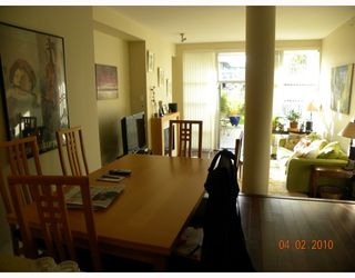 """Photo 10: 106 6015 IONA Drive in Vancouver: University VW Condo for sale in """"CHANCELLOR HOUSE"""" (Vancouver West)  : MLS®# V808479"""