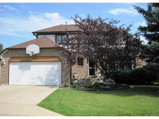 Photo 1: 144 KIRKBRIDGE Drive in WINNIPEG: Fort Garry / Whyte Ridge / St Norbert Residential for sale (South Winnipeg)  : MLS®# 1016371