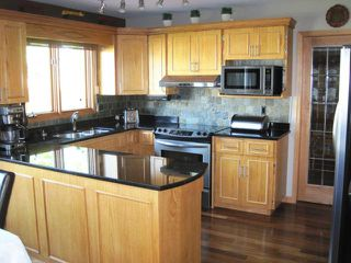 Photo 2: 144 KIRKBRIDGE Drive in WINNIPEG: Fort Garry / Whyte Ridge / St Norbert Residential for sale (South Winnipeg)  : MLS®# 1016371