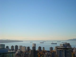 """Main Photo: 3602 1111 ALBERNI Street in Vancouver: West End VW Condo for sale in """"SHANGRI-LA"""" (Vancouver West)  : MLS®# V855633"""