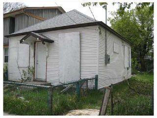 Photo 1: 418 ALEXANDER Avenue in WINNIPEG: Central Winnipeg Residential for sale : MLS®# 2808824