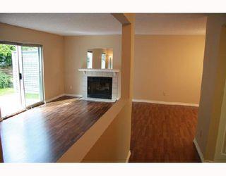 "Photo 2: 17 1140 FALCON Drive in Coquitlam: Eagle Ridge CQ Townhouse for sale in ""FALCON GATE"" : MLS®# V730089"