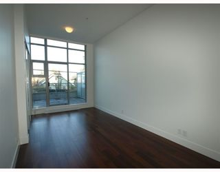 "Photo 5: 102 4375 W 10TH Avenue in Vancouver: Point Grey Condo for sale in ""VARSITY"" (Vancouver West)  : MLS®# V748079"