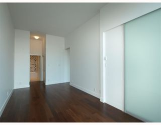 "Photo 6: 102 4375 W 10TH Avenue in Vancouver: Point Grey Condo for sale in ""VARSITY"" (Vancouver West)  : MLS®# V748079"