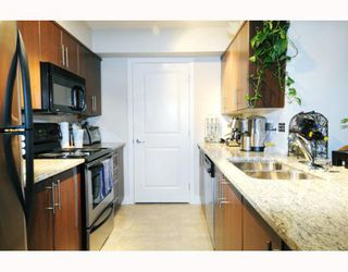 "Photo 6: 307 12248 224TH Street in Maple_Ridge: East Central Condo for sale in ""URBANO"" (Maple Ridge)  : MLS®# V748918"