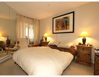Photo 3: 107 365 E 1ST Street in North_Vancouver: Lower Lonsdale Condo for sale (North Vancouver)  : MLS®# V755130
