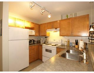 Photo 8: 107 365 E 1ST Street in North_Vancouver: Lower Lonsdale Condo for sale (North Vancouver)  : MLS®# V755130
