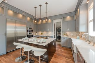 Photo 8: 1568 E 58TH Avenue in Vancouver: Fraserview VE House for sale (Vancouver East)  : MLS®# R2390593