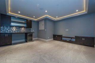 Photo 16: 1568 E 58TH Avenue in Vancouver: Fraserview VE House for sale (Vancouver East)  : MLS®# R2390593