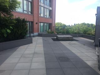 """Photo 6: 208 2689 KINGSWAY in Vancouver: Collingwood VE Condo for sale in """"SKYWAY TOWER"""" (Vancouver East)  : MLS®# R2391944"""