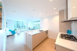 "Photo 2: 607 4670 ASSEMBLY Way in Burnaby: Metrotown Condo for sale in ""STATION SQUARE 2"" (Burnaby South)  : MLS®# R2393287"