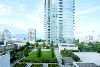 "Photo 15: 607 4670 ASSEMBLY Way in Burnaby: Metrotown Condo for sale in ""STATION SQUARE 2"" (Burnaby South)  : MLS®# R2393287"