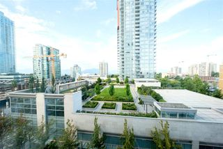 "Photo 14: 607 4670 ASSEMBLY Way in Burnaby: Metrotown Condo for sale in ""STATION SQUARE 2"" (Burnaby South)  : MLS®# R2393287"