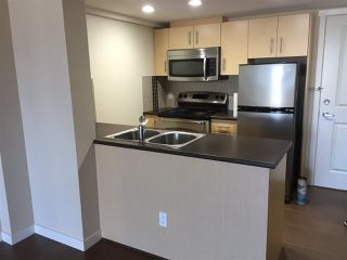 "Photo 1: 904 200 KEARY Street in New Westminster: Sapperton Condo for sale in ""ANVIL"" : MLS®# R2426631"