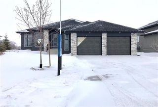 Photo 1: 71 Casselman Crescent in Oak Bluff: RM of MacDonald Residential for sale (R08)  : MLS®# 202000929
