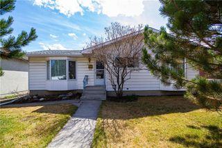 Photo 1: 3915 46 Avenue SW in Calgary: Glamorgan Detached for sale : MLS®# C4295540