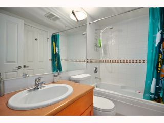 "Photo 7: 304 2555 W 4TH Avenue in Vancouver: Kitsilano Condo for sale in ""SEAGATE"" (Vancouver West)  : MLS®# V818549"