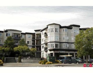 """Photo 1: 114 5765 GLOVER Road in Langley: Langley City Condo for sale in """"COLLEGE COURT"""" : MLS®# F2911635"""