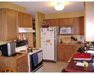 Photo 2: 168 ALEX TAYLOR Drive in WINNIPEG: Transcona Residential for sale (North East Winnipeg)  : MLS®# 2911922