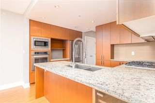 Photo 3: 2301 1155 THE HIGH Street in Coquitlam: North Coquitlam Condo for sale : MLS®# R2400293