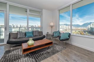 Photo 4: 1905 110 SWITCHMEN Street in Vancouver: Mount Pleasant VE Condo for sale (Vancouver East)  : MLS®# R2412738