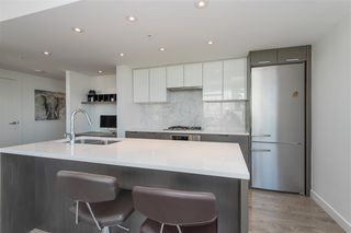Photo 10: 1905 110 SWITCHMEN Street in Vancouver: Mount Pleasant VE Condo for sale (Vancouver East)  : MLS®# R2412738