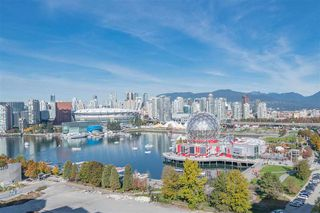 Photo 2: 1905 110 SWITCHMEN Street in Vancouver: Mount Pleasant VE Condo for sale (Vancouver East)  : MLS®# R2412738