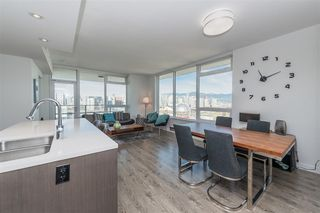 Photo 7: 1905 110 SWITCHMEN Street in Vancouver: Mount Pleasant VE Condo for sale (Vancouver East)  : MLS®# R2412738