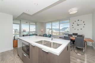 Photo 11: 1905 110 SWITCHMEN Street in Vancouver: Mount Pleasant VE Condo for sale (Vancouver East)  : MLS®# R2412738