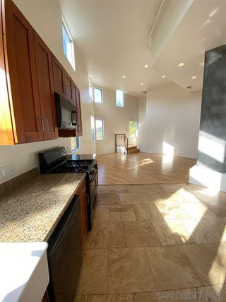 Photo 3: POINT LOMA Condo for rent : 2 bedrooms : 3244 Nimitz Blvd. #6 in San Diego