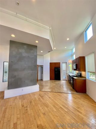 Photo 2: POINT LOMA Condo for rent : 2 bedrooms : 3244 Nimitz Blvd. #6 in San Diego