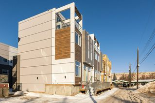 Photo 2: 5 9745 92 Street in Edmonton: Zone 18 Townhouse for sale : MLS®# E4187479