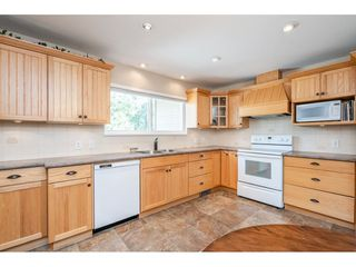 "Photo 11: 82 CLOVERMEADOW Crescent in Langley: Salmon River House for sale in ""Salmon River"" : MLS®# R2485764"